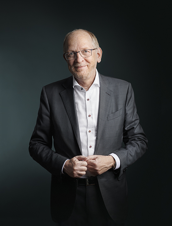 Dr. Thomas Thees